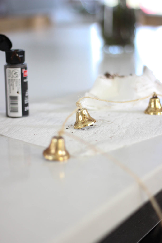 make your own christmas bell garland